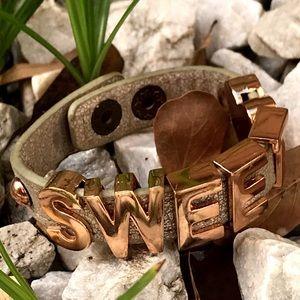 BCBG SWEET heart leather charm bracelet